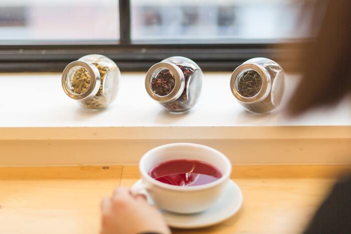 注ぐ時間まで美しい。深く味わう、都内の「紅茶専門店」