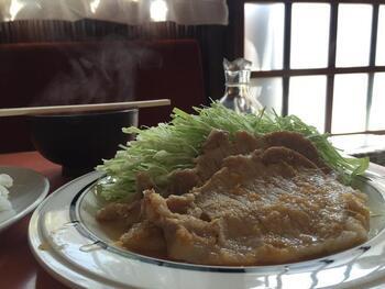 モカといえば、生姜焼き定食からナポリタンまで、ご飯メニューも美味しいお店。しっかりお腹を満たして、コーヒーで一息つくのが至福です。