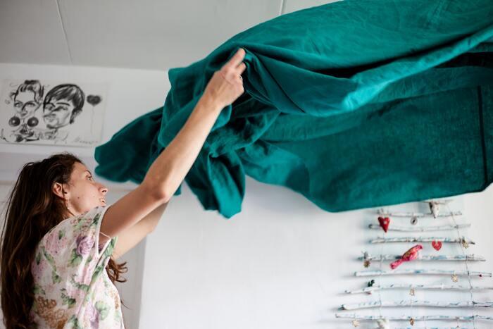 掃除のついでに大物の洗濯をしたい時も、春はぴったり。あたたかく乾いた空気は、カーテンやラグ、ソファカバーなどの大きなものも早く乾かしてくれます。秋冬から春夏への模様替えもスムーズに行えそうです。