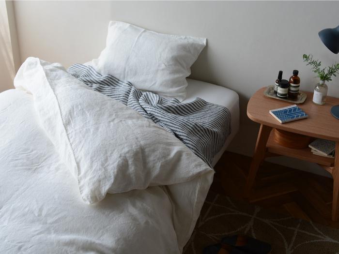 上質な睡眠は日々を健やかに過ごすために大切な要素。ベッドはデザインだけでなく、その寝心地にもこだわって選びたいですよね。 基本的にベッドのサイズは「寝返りを自然にうちやすい」ことを意識して選ぶといいでしょう。