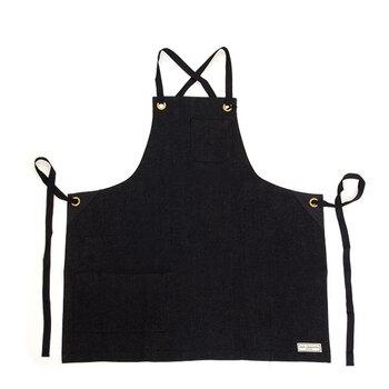 日本製のブラックデニムを贅沢に使用した胸当てエプロンです。使えば使うほど愛着が湧いてきそうですね♪