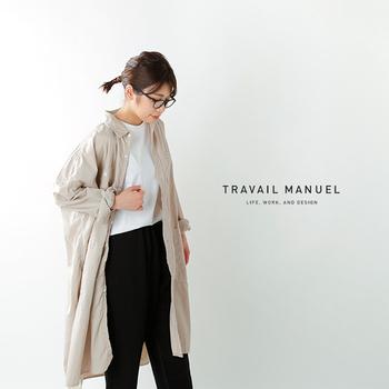 さらりと羽織るのにぴったりなリネン素材の長袖シャツワンピース。オーバーサイズならゆったりとカジュアルな雰囲気。腕をまくってこなれ感を出せば、今年らしい表情に。