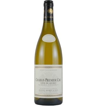 辛口ワインの代名詞としてお馴染みのシャブリですが、大量生産のワインが多いのも事実です。いざ改めて本当に美味しいシャブリを試してみませんか?こちらは広いシャブリ生産エリアの中でも、極わずかの区画しか認められていない一級畑「コート・ド・レシェ」から造られます。量産品と一線を画すクオリティは、飲んだことのあるシャブリだからこそ分かるもの。本物のシャブリを教えてくれる一本です。