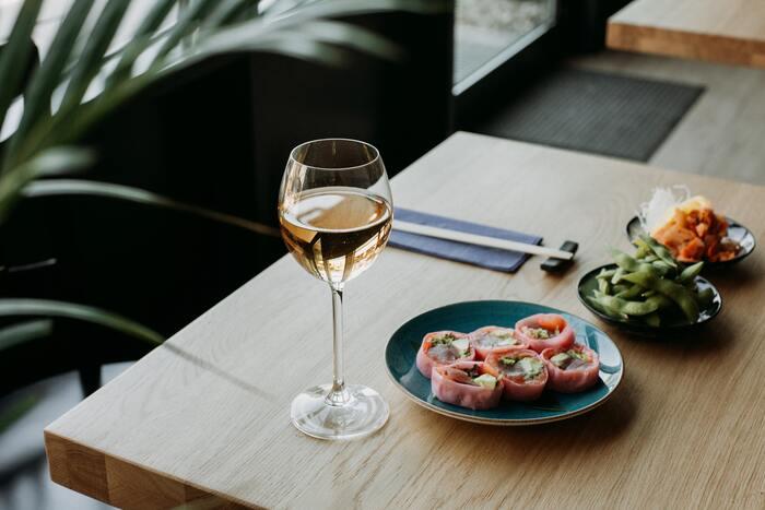 『ワインの手引き~白ワイン編~』気品溢れる大人の愉しみを味わおう
