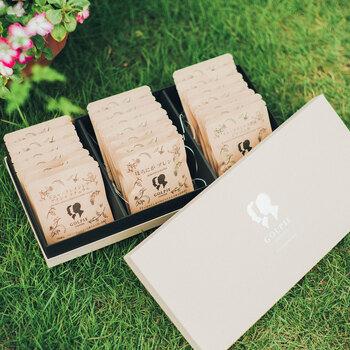 世界各国から集めた厳選豆を自家焙煎している愛知県名古屋市のコーヒー店「GOLPIE COFFEE」は、メディアなどにも多く取り上げられている注目のお店です。  「GOLPIE COFFEE」のギフトは通信販売でも買う事ができます。ナチュラルなパッケージから、花柄の可愛らしいパッケージまで揃っており、ギフトとして大変おすすめですよ。  (写真提供:GOLPIE COFFEE)