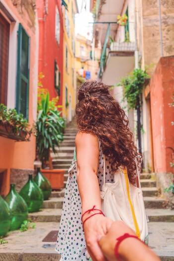 新しい土地で新たな出会いを通し、自分らしさを取り戻し、幸せをつかみ始めるフランシス。イタリアのライフスタイルを通して、人々の優しさを感じることが出来る心癒されるストーリーなので、ちょっぴりお疲れ気味の方におすすめです。