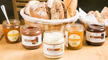 こちらのお店でも、ランチセットはパン食べ放題♪ジャムなども置いてあって、自由に味の変化を楽しむことができるのも魅力です!