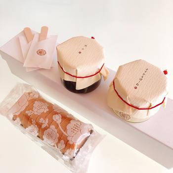 最後にご紹介するのは、京都祇園あのんの人気手土産「あんぽーね」です。セットになっている十勝産小豆のつぶあんと、マスカルポーネチーズを使用した自家製クリームを、香ばしい最中に挟んでいただきます*