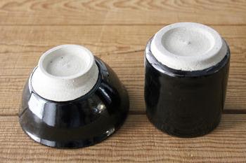 熱い液体を入れることが少ない器でも、たいていは上記のような理由で安定感を持たせるため、付けている場合が多いです。 ぜひお家にある器をひっくり返して、高台をご覧になってみてくださいね。
