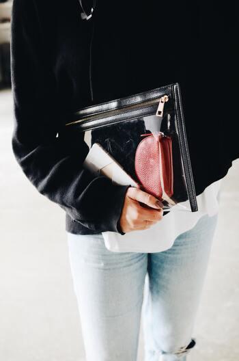 それ、本当に必要?「バッグの中身」をスッキリさせて必要最小限で出かけよう!