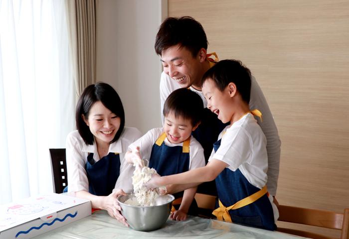 家族みんなで協力して作ると、完成した時の喜びもひとしお。コミュニケーションをたくさんとれて、笑顔溢れる時間を過ごせそうですね。大人の方が夢中になっちゃうかも⁉︎