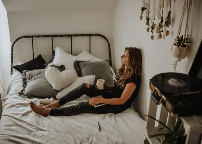 自宅にいながら気分転換!手先を使って楽しむ「お家での過ごし方」アイデア