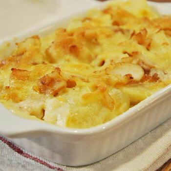 """もう一品、""""バカリャウ""""料理の定番が「バカリャウ・コン・ナタス」(鱈のクリームグラタン)です。優しい味わいが日本人の口に合い、お子様にも食べやすい料理です♪"""