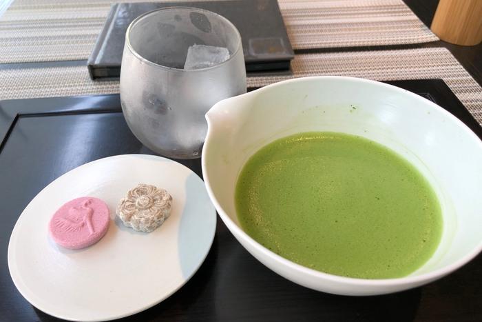 茶房・藤花で、宇治市内・宇治近郊から収穫された茶葉を使用し、100%京都府産にこだわったお茶をいただいてみてはいかがでしょうか。