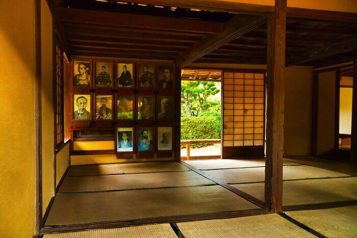 松下村塾は世界遺産にも登録されています。ここを訪れ、どのような若者たちがこの部屋で、幕末の博識者、吉田松陰が行っていた講義を聴いていたのか想像をめぐらせてみてはいかがでしょうか。