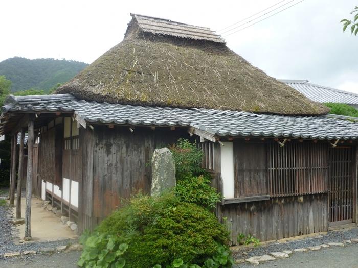 残念ながら内部の見学はできませんが、松下村塾からほど近い場所に、吉田松陰の弟子で初代内閣総理大臣となった伊藤博文の旧宅があります。