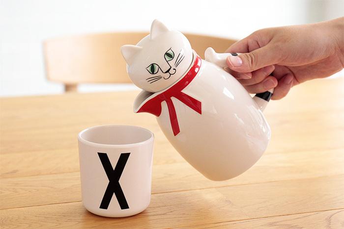 容量は400ml。ティーカップ約2杯分です。ほっと一息つきたい時や、ちょっとしたお茶の時間にちょうどいいサイズです。オシャレな専用ボックス付きなので、お誕生日などの贈り物や引っ越し祝いなど、プレゼントとして贈っても喜ばれそうですね♪