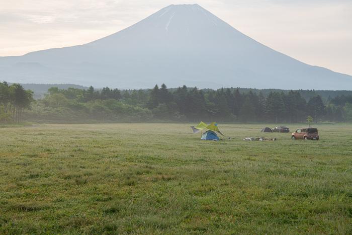 ファッション、アウトドア、ライフスタイルを提案する雑誌GO OUTから飛び出した日本最大級のキャンプイベント「GO OUT JAMBOREE」は、富士山の麓という特別な場所での非日常の空間が魅力です。