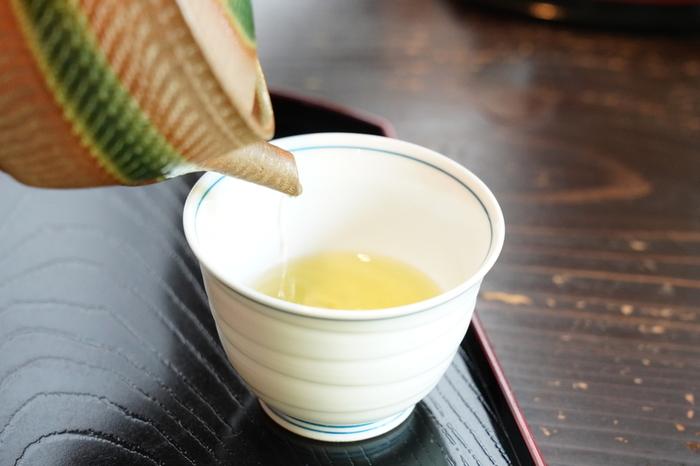 「深緑茶房」は、三重県にある茶農家直営のお茶屋さん。意外と知られていませんが、三重県は生産量全国三位のお茶処なんです。こちらの「深緑茶房」は平成18年に農林水産大臣賞『天皇杯』も受賞しています。