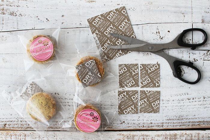 せっかく作ったクッキーが湿気てしまわないように、乾燥剤もお忘れなく。かさばらず、お菓子のじゃまをしない乾燥剤がオススメです。