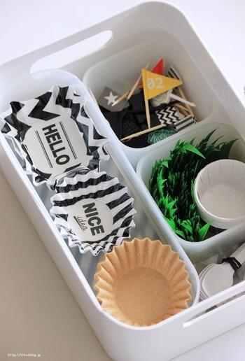 お弁当箱の中で仕切りに使える、おかずカップやバランなどは100円ショップでも購入できます。 これで100円なの?と驚くようなお洒落なデザインのものがたくさんありますよ。