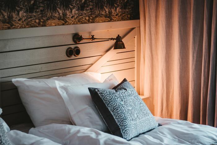 何もする気にならない、という時は疲労が溜まっている証拠。睡眠は身体だけでなく心の回復にも効果的なのだとか。いつもより早くベッドに入ったり、隙間時間に昼寝をすることは、緊張や不安をほぐすチャンスに。