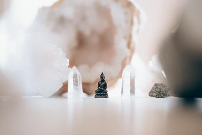 あなたが日々がんじがらめになることを、ちょっと超越した視点で乗り越えるヒントを与えてくれますよ。それは、仏教に精通している著者のみうらじゅんさんだからこそ。