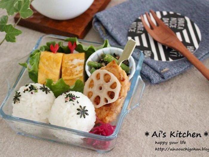 上と同じく、ダイソー取り扱いの耐熱皿。こちらは、「正方形耐熱グラタン皿」という名称の商品です。  100均のダイソー商品で、あえて100円以上で値付けされている商品は、それなりの価値を感じられるものが多くて、おすすめです◎