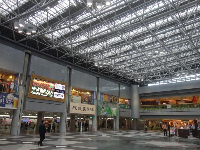 新千歳空港にはお土産屋さんも大充実!北海道にある人気のスイーツショップが集まっているんです。新千歳空港に来たらチェックしたいおすすめのお土産をご紹介します♪