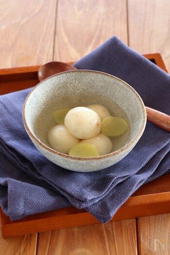豆腐入りの白玉をジンジャーシロップに。身体がポカポカ巡りがよくなるので、冷え性にお悩みの方におすすめです。熱い日には冷やし白玉にしても美味しいですよ。