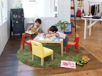年齢や発達の段階に合わせて、それぞれの子供が明るく、楽しく、知的好奇心を満たすことができるスペースにできるといいですね。