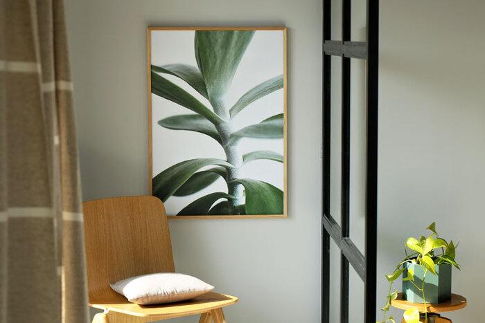 葉脈や質感など、まるで本物の植物を飾っているような気分になれそうですね。お部屋にナチュラルなインパクトを与えてくれそうです。