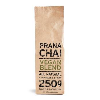 こちらは動物由来のものを食べないヴィーガン向けのチャイです。はちみつの代わりに植物からとれるアガベシロップが使われていて、甘みをしっかり感じられるのに低カロリーなんです!