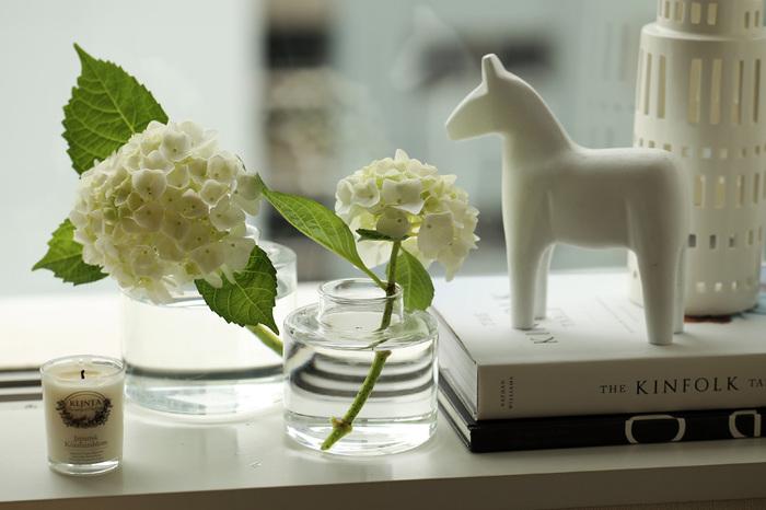 """お部屋の中で""""小さな春""""を楽しむ「一輪挿し&ミニ盆栽」のすすめ"""