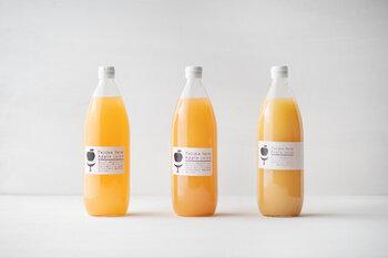 生食用のリンゴを使ったストレート果汁100%のジュースです。シナノドルチェやシナノリップなど、季節によって最適な品種で作られています。冷やしても温めても(!)濃厚な味わいが楽しめます。