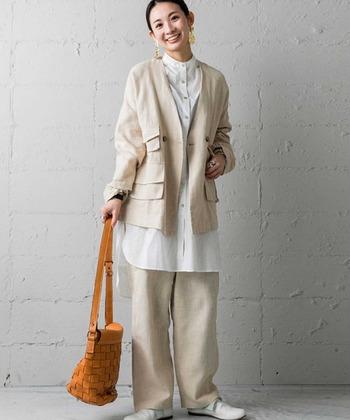 ビッグシルエットなジャケットは、ポケットがたくさんついていてユニーク。オーバーサイズなシャツや太めのパンツを合わせて、ジャケットの魅力をとことん満喫しましょう♪