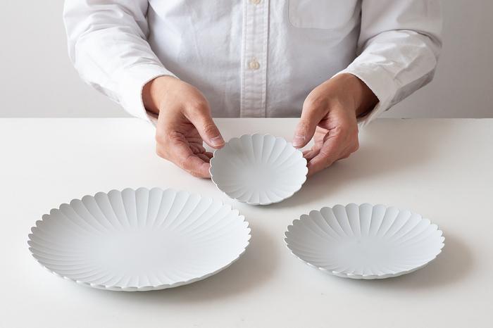 有田焼の窯元として長い歴史を持つ百田陶園とデザイナー柳原照弘さんによってつくられたブランド「1616/arita japan(イチロクイチロク アリタジャパン)」。日本で最初に陶磁器がつくられたのが1616年だったことが、ブランド名の由来になっているそうです。