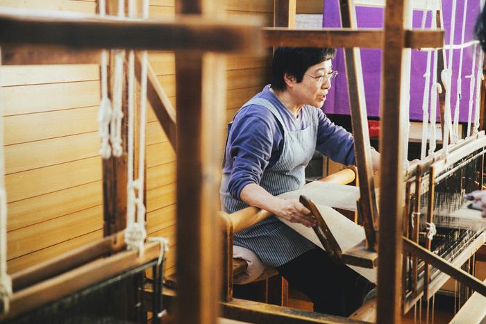 帯に使用するのみ、昭和17年から使われている織機でつくられている