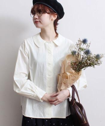 もしも汚してしまったら…と考えて、真っ白なシャツを避けていた方も、お洗濯方法が分かれば安心ですね。自分にぴったりの「白シャツ」「白ブラウス」を見つけて、適切なお手入れ方法をしてあげましょう。お気に入りの一枚を、長く愛着をもって着続けられそうです。