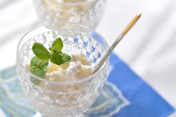 夏らしい甘い香りを満喫できるココナッツミルクのジェラート。同じくココナッツを効かせたエスニックカレーなどのデザートにピッタリなんです。
