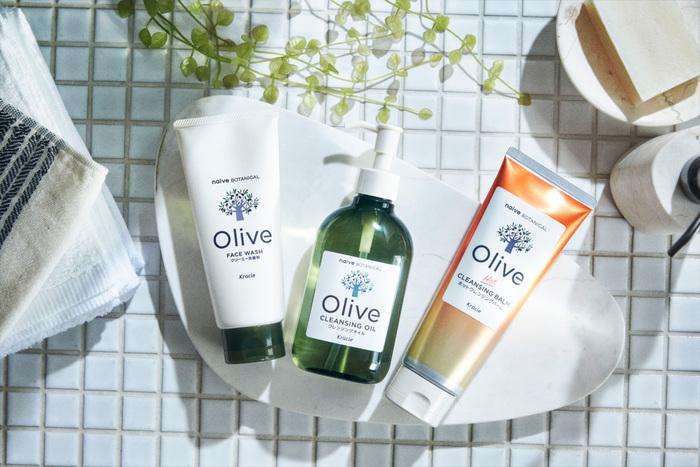 左から)クリーミー洗顔、クレンジングオイル、ホットクレンジングバーム