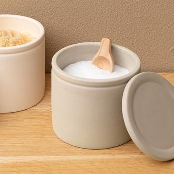 調理中のストレスがなくなり、とっても快適!ナチュラルなデザインで、キッチンや食卓に馴染みます。
