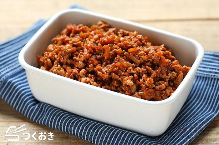 こちらは、オイスターソースや豆板醤を使った、中華風の肉味噌。コクうま味で、ご飯にも合いますし、中華麺にのせれば汁なし担々麺にも応用できます。時間があるときに作って冷凍保存すれば、忙しいときに便利。