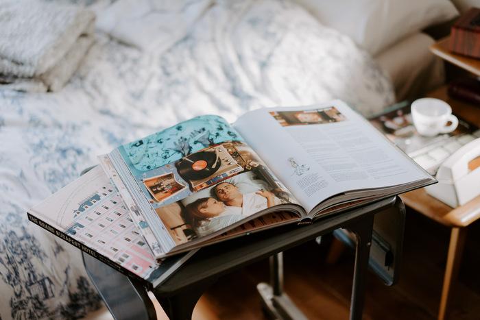 時間に追われていると、なかなか進まないのが読書。おうち時間ができたら、これまで開けずにいた本や雑誌を手に取ってみてはいかがでしょう。