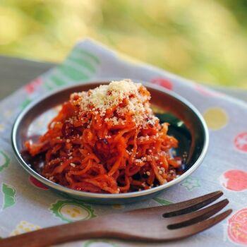 パスタでお馴染みのアラビアータですが、切り干し大根を使ったアレンジメニュー。ピリ辛でクセになる美味しさです。ヘルシーなのでダイエット中の方にもおすすめですよ。