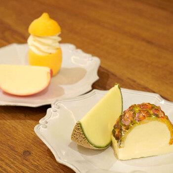 「POIRE des rois GINZA」は、大阪の老舗洋菓子店が銀座にオープンしたアイスクリーム専門店。フルーツソルベは、アイス職人が季節によって配分を変えながら丁寧に作る極上のシャーベットと評判です。