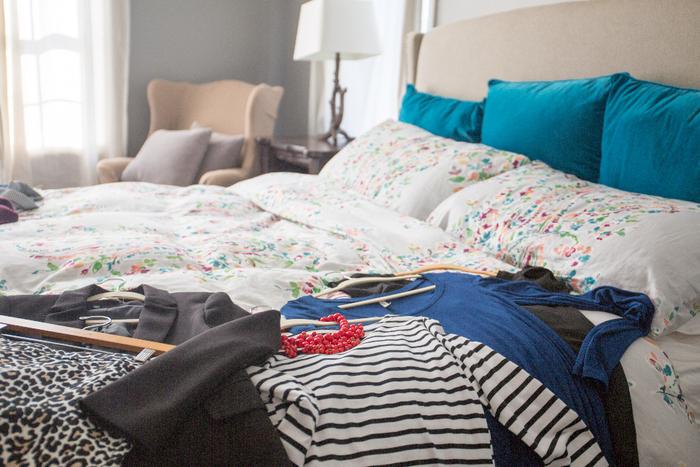 荷物の量は不安の量とも言われるように、部屋が散らかっていると心の整理もつきにくくなることがあります。「さぁやるぞ!」と気持ちを切り替えるときには、部屋の掃除も一緒に始めると良いでしょう。これは普段からストレスなどマイナスのエネルギーを溜め込んだ時ときにもおすすめです◎