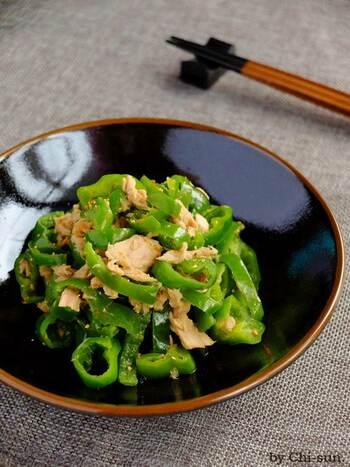 こちらは中華だしではなく、和風の顆粒だしをアレンジすると、和食にもぴったりの無限ピーマンに。アツアツよりも、すこし時間を置いて、味を馴染ませてからの方が、じんわりとした美味しさを感じやすくなります。