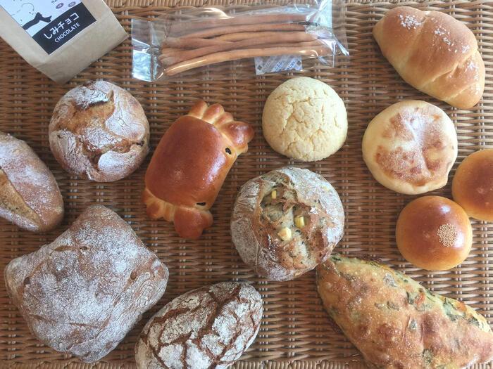 どれがいいか悩んじゃう!という方は、おまかせセットがおすすめ。人気商品と季節限定のパンが6〜10種類入っています。何が入っているかは届いてからのお楽しみ!