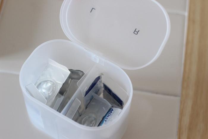こちらは無印の「PP綿棒ケース」。綿棒を立てて収納できる深さがありながら、コンパクトなのが魅力。 たっぷり収納できるうえ、場所も取りません。  洗面所のちょっとしたスペースを置き場所にできますね。
